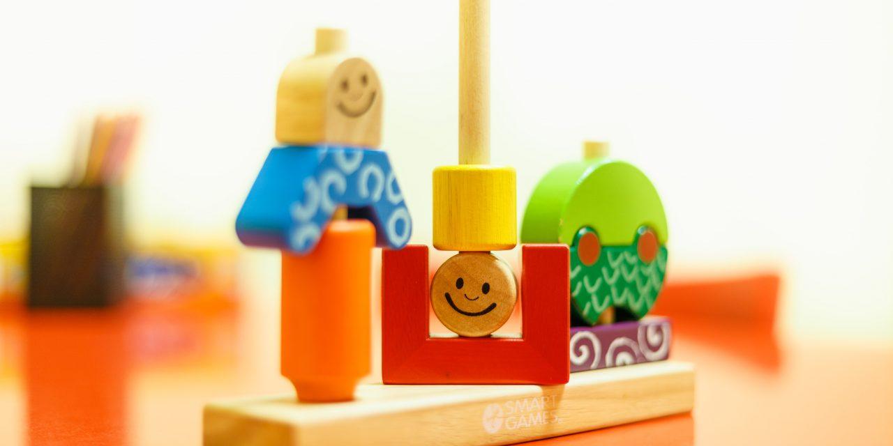 El juego no es sólo cosa de niños. Importancia del juego y recomendaciones para elegir un juguete.